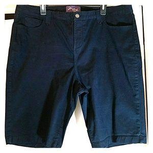 NYDJ Woman's Bermuda Shorts